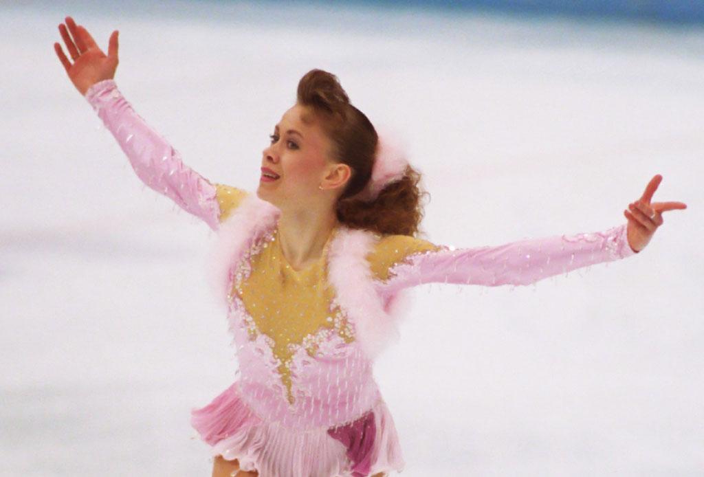 ¿Te acuerdas de las patinadoras sobre hielo que dominaron los 90's? - patinadora-hielo-1990
