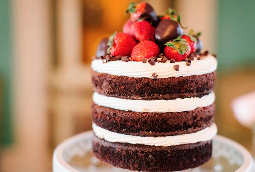 Red Velvet King Cake La