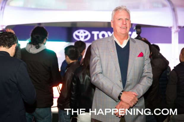 Toyota le da la bienvenida a dos innovadores modelos: PriusC y C-HR - tom-sullivan_02
