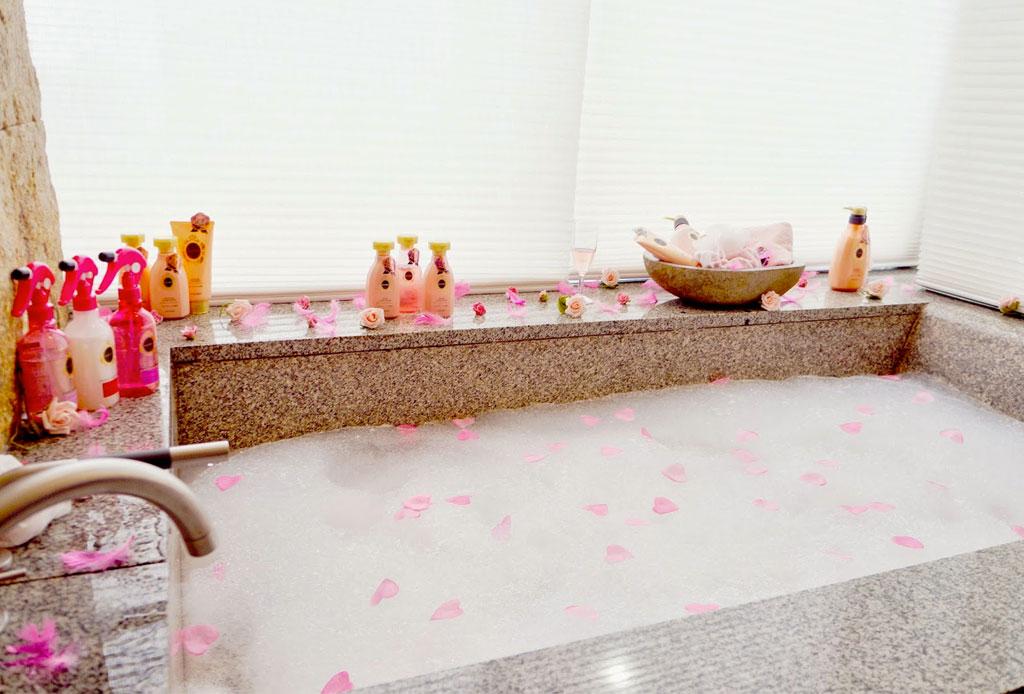 4 productos para usar en la tina que te relajarán al máximo - spa_en_casa_1