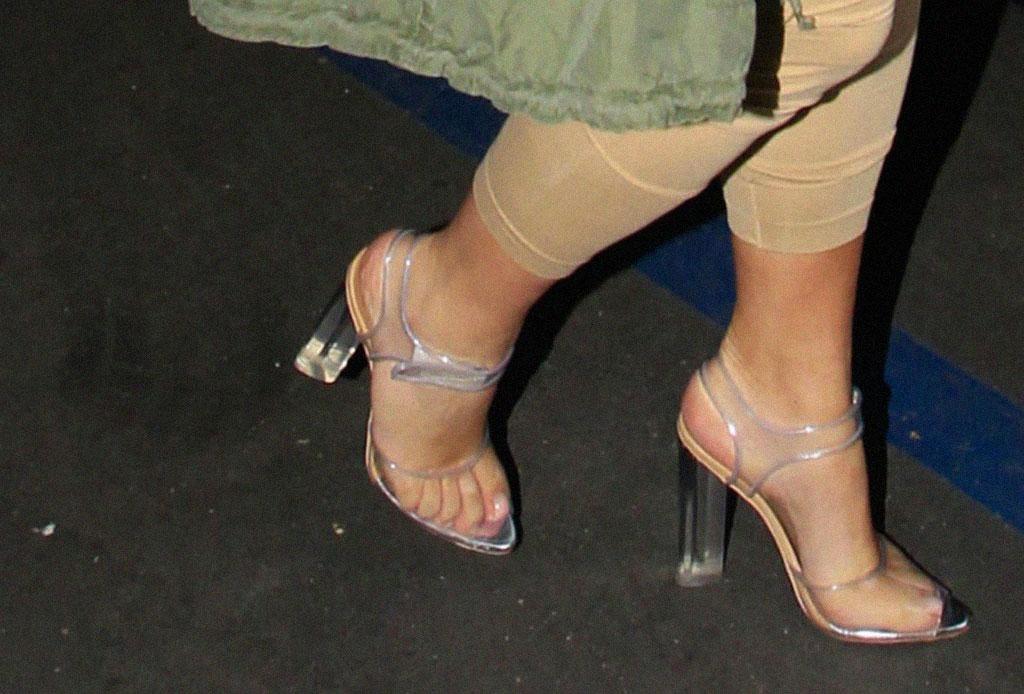 ¡Considera estos detalles antes de usar unos zapatos de plástico transparentes! - zapatos-plastico-4