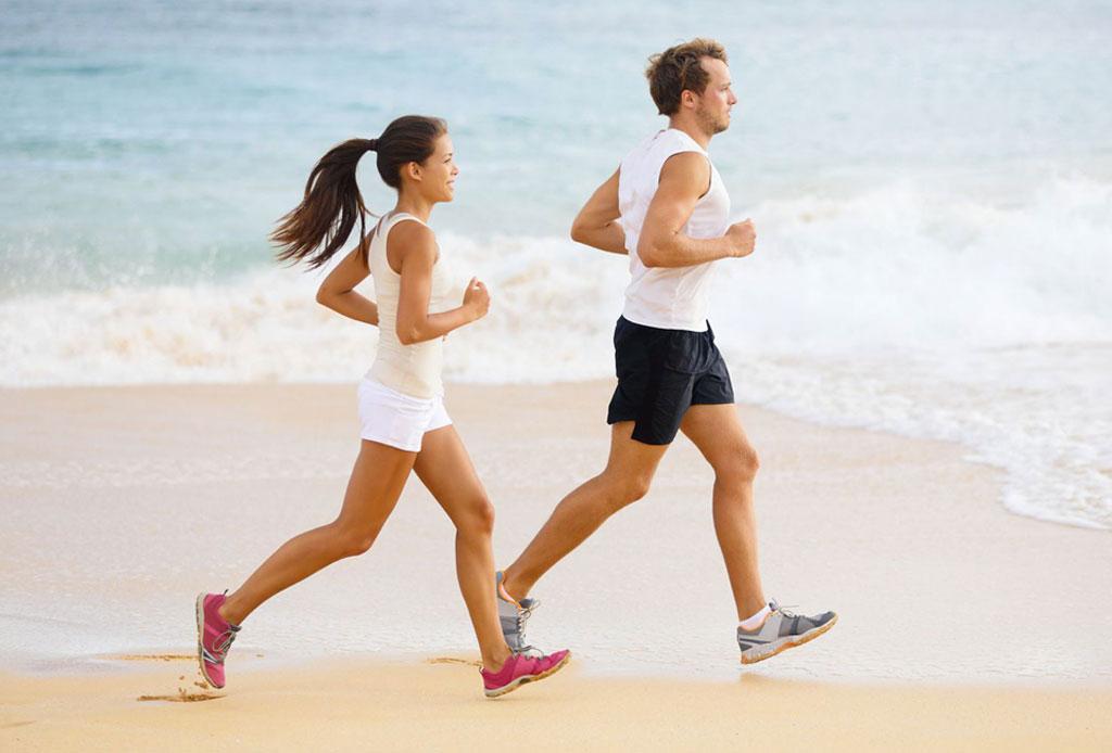 Running Monday: ¡Corre en la playa y disfruta al máximo con esta playlist! - correr-en-la-playa