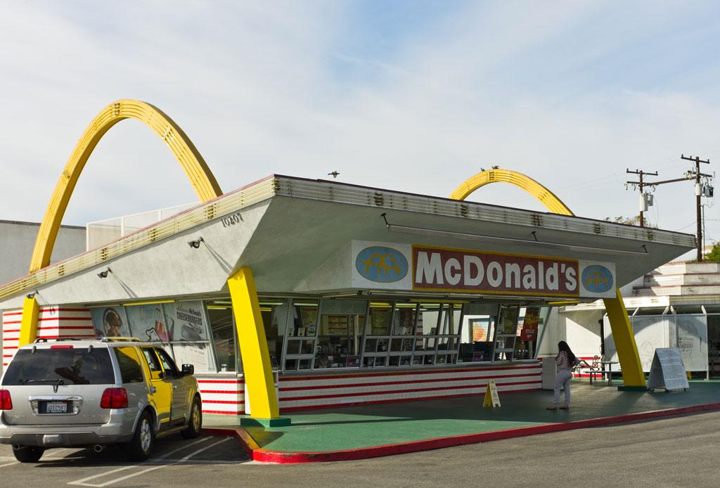 Visita el McDonald's más antiguo que aún continúa en servicio - mcdonalds-antiguo-6