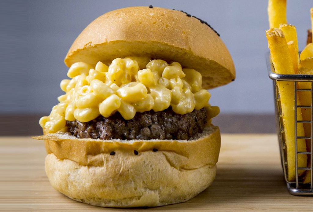 En estos lugares encontrarás hamburguesas ¡con mac & cheese!
