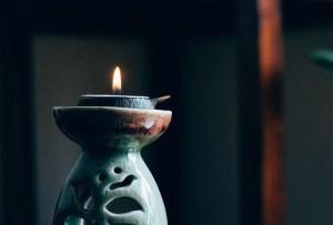 Estas son las esencias de aromaterapia que te ayudarán a dormir mejor