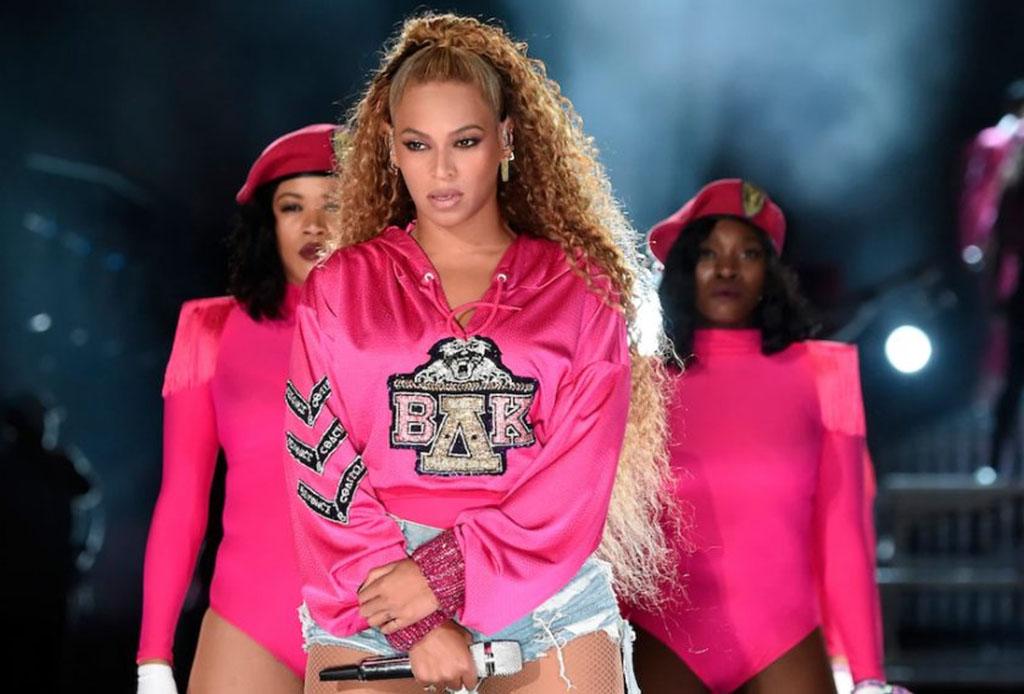 Puedes comprar los outfits que Beyoncé usó en Coachella y apoyar una buena causa