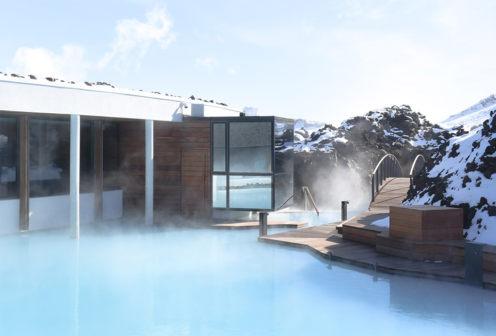 Descubre la arquitectura de este impresionante hotel que está dentro de un lago