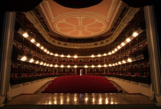 Estos son los teatros más bonitos de México ¿ya los conoces? - teatros-mas-bonitos-mexico-6-300x203