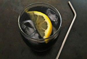 ¿Limonada color negro? ¡Tenemos la receta!