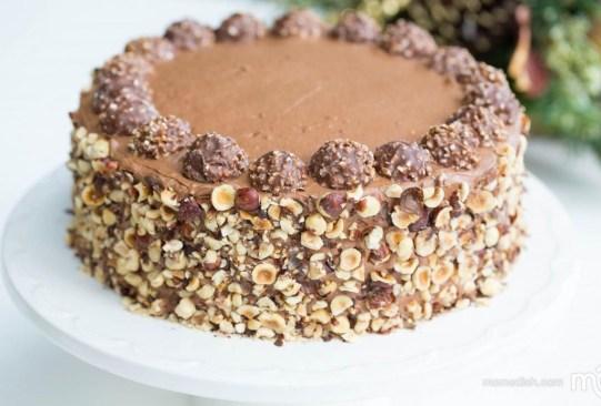 ¿Cómo hacer tu propio pastel de Ferrero Rocher? Compartimos la receta - receta-pastel-ferrero-rocher-1-300x203