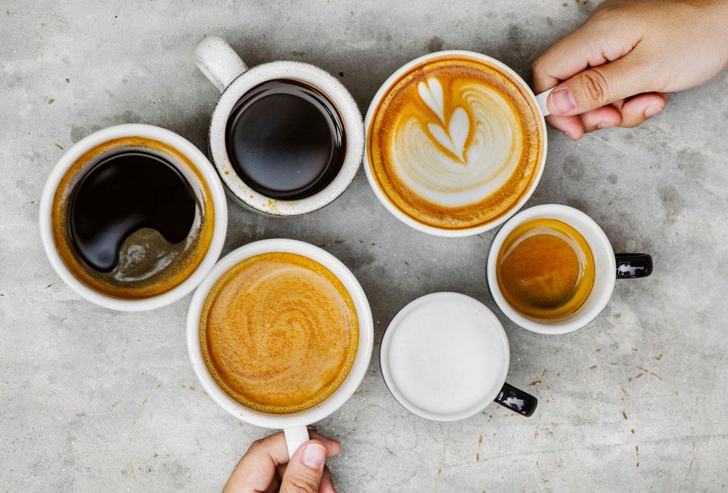Las reglas de etiqueta al tomar café, té y otras bebidas calientes