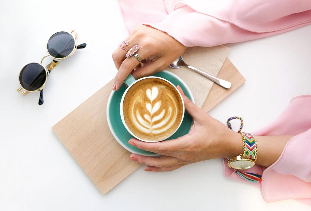 Las reglas de etiqueta al tomar café, té y otras bebidas calientes - reglas-etiqueta-tomar-cafe-te-bebidas-calientes-4
