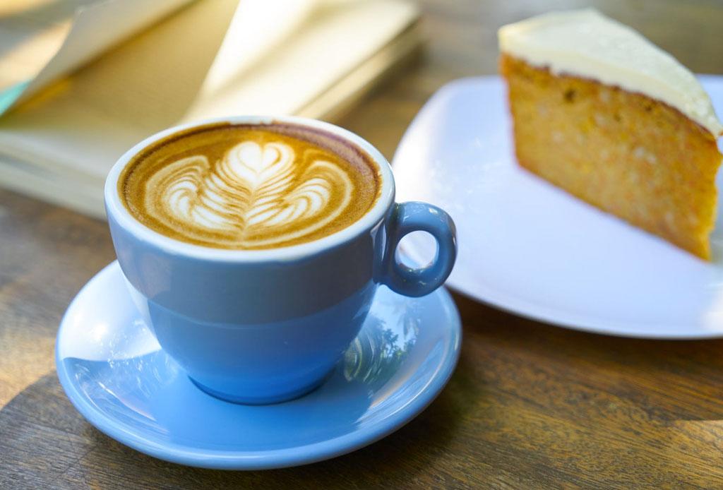 Las reglas de etiqueta al tomar café, té y otras bebidas calientes - reglas-etiqueta-tomar-cafe-te-bebidas-calientes-5