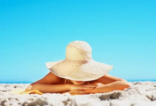 Deberías agregar el aceite de jojoba en tu rutina skincare - beneficios-en-tu-piel-aceite-de-jojoba-8-300x203