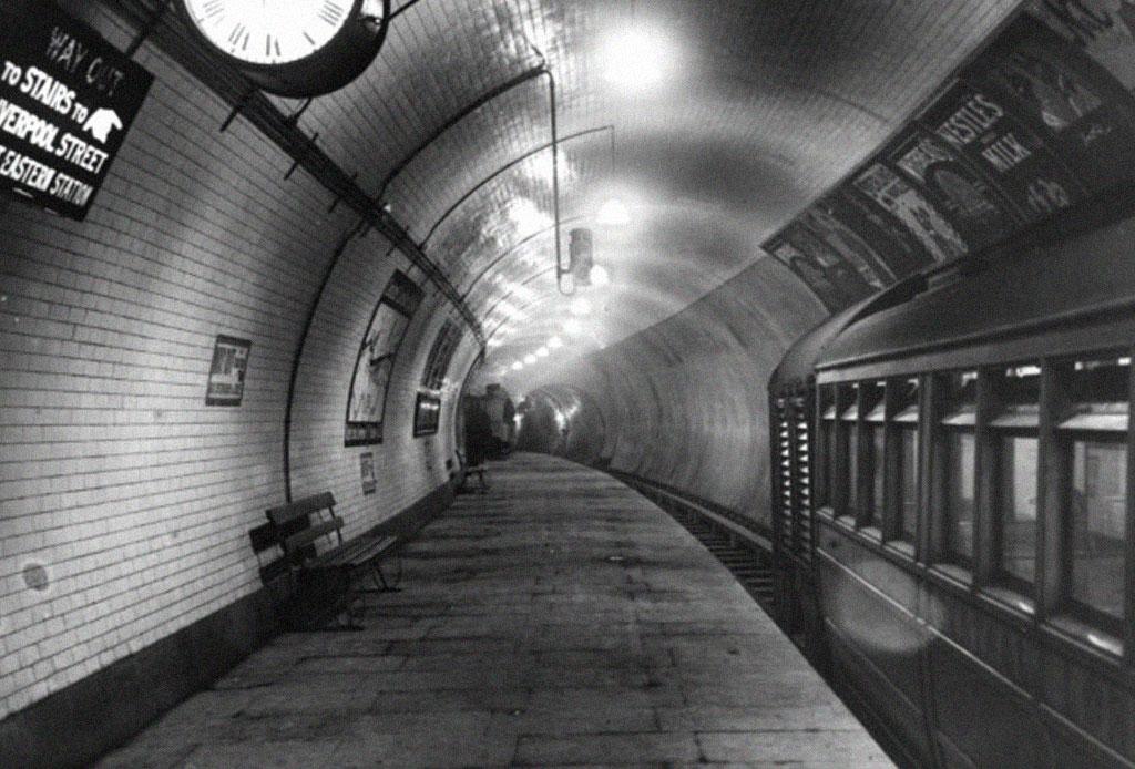 5 drinks con ginebra inspirados en las estaciones del metro de Londres - drinks-beefeater-gin-metro-londres