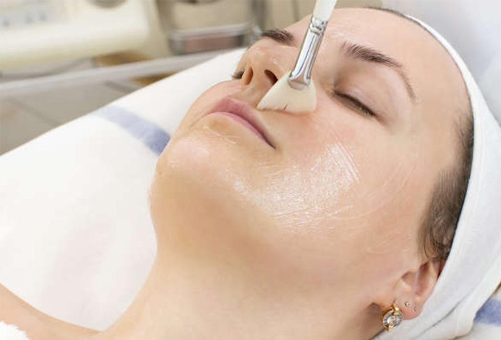 Esto es lo que le pasa a tu piel cuando te haces exfoliaciones químicas - exfoliacion3