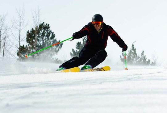 Es hora de descubrir otro spot para esquiar: Blue Mountain, Ontario - blue-mountain-canada-ski-1-300x203