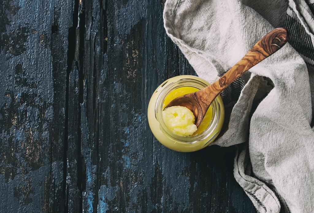 Alimentos que balancean y sanan, según el Ayurveda - ghee-mantequilla-clarificada-2-1-1024x694