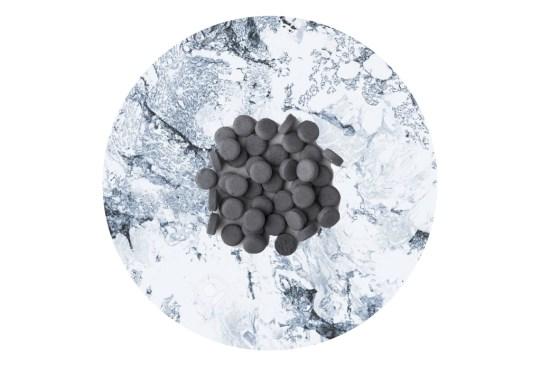 Utiliza estos productos dentales con carbón activado para blanquear tus dientes - pasta-dental-carbon-activado-300x203