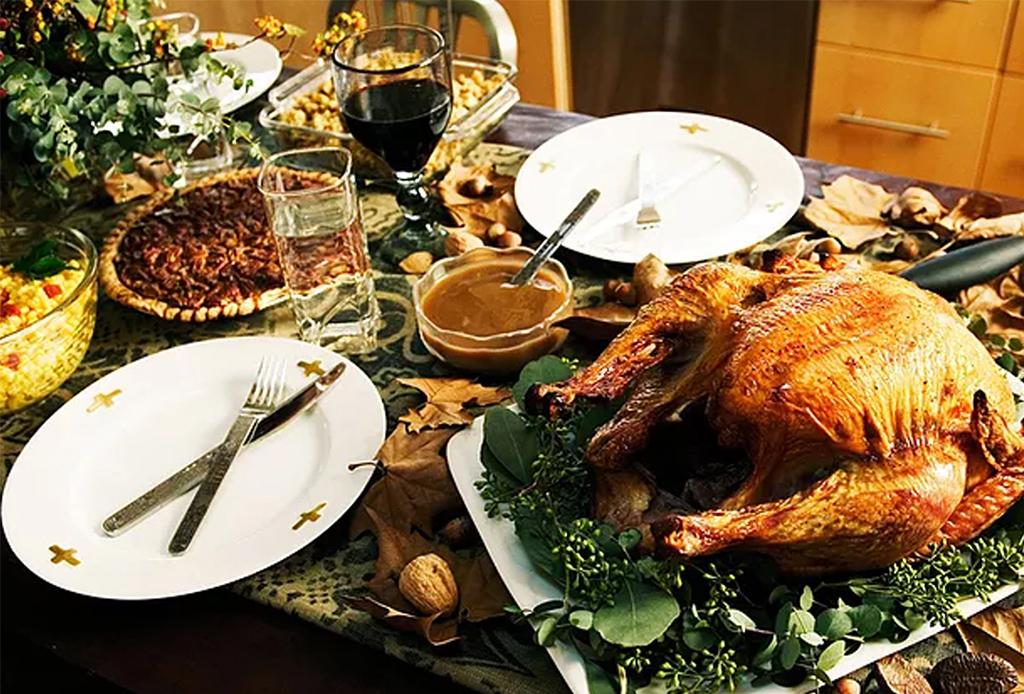 7 restaurantes de la CDMX que ofrecen menú especial de Thanksgiving - cena-thanksgiving-1
