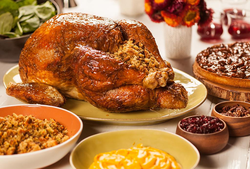 7 restaurantes de la CDMX que ofrecen menú especial de Thanksgiving - cena-thanksgiving-4
