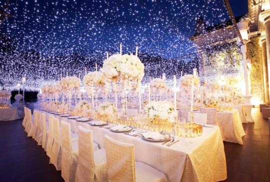La tendencia en decoración para el día de tu boda: ¡techos y paredes de luces! - tendencias-decoracion-boda-luces-led-navidenas-2-300x203