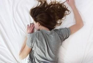 5 hábitos que te hacen sentir más cansado