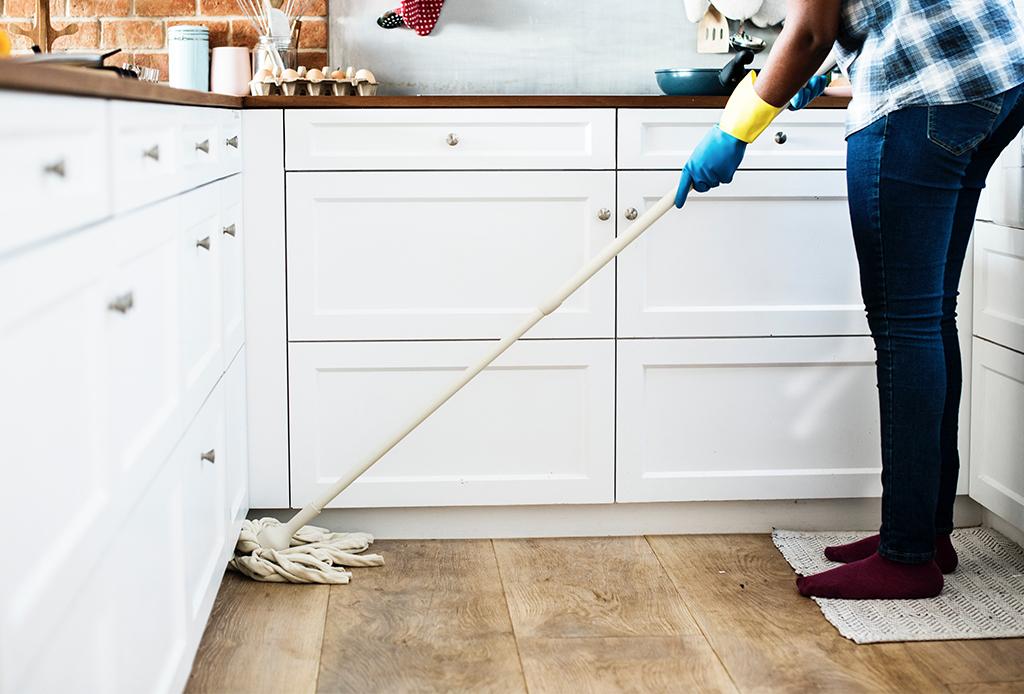 Rituales que puedes hacer en casa para comenzar el Año Nuevo Chino (basado en sus tradiciones) - limpieza-invierno-1024x694