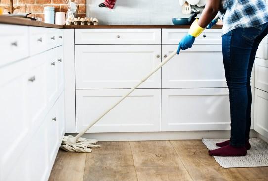 ¿Por qué la limpieza en casa nos ayuda a sentir menor ansiedad? - limpieza-invierno-300x203