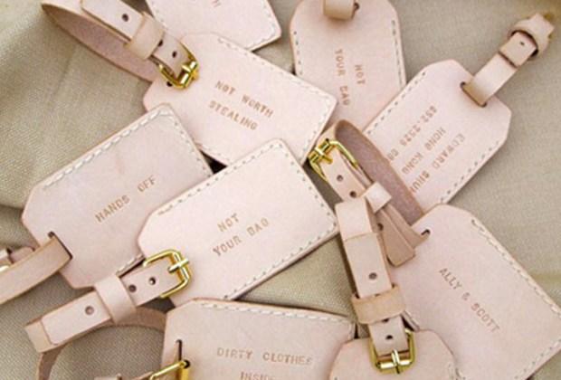 ¡Adiós a los típicos recuerdos de las bodas! Sorprende a tus invitados con estos originales detalles - tags-de-maleta-1024x694