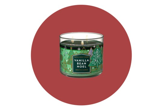 Complementa el ambiente navideño de tu hogar con estas velas - velas-aromaticas-navidad-bath-and-body-works-300x203