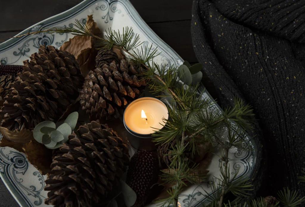 Complementa el ambiente navideño de tu hogar con estas velas