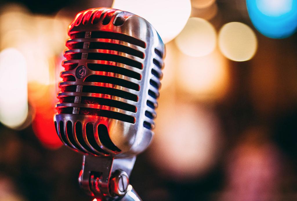 Jazz en la Terraza con Marcos Milagres Trío - musica-microfono