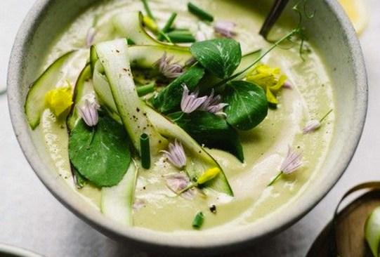 Prepara esta deliciosa crema de espárragos con tahini y limón - receta-crema-esparragos-tahini-limon-1-300x203