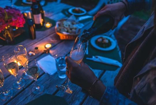 Conoce tus mejores compañeros de viaje según tu signo zodiacal - cena-300x203