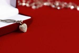 10 piezas de joyería para regalar este 14 de febrero
