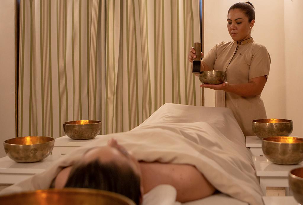 Te morirás por probar el nuevo masaje sonoro en el St. Regis Punta Mita - masaje-sonoro-3