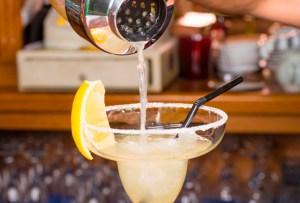 ¡Relájate un poco! Prepara estos drinks con tequila y cítricos en casa