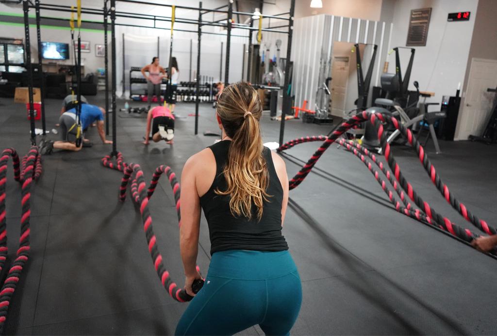 Haz ejercicio en las mañanas, ¡tiene muchos beneficios! - reebok-crossfit-2-1024x694