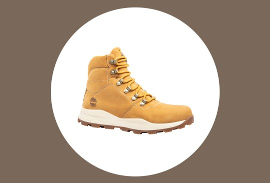 Estos son los mejores zapatos para viajar por su comodidad y practicidad - zapatos-comodos-viajar-timberlando-hombre-300x203