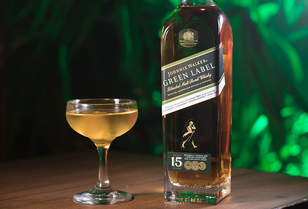¿Antojo de algo fresco? Prueba este drink con Green Label de Johnnie Walker