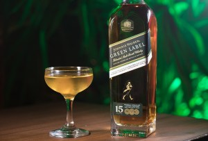 ¿Antojo de algo fresco? Prueba este drink con Green Label de Johnnie Walker