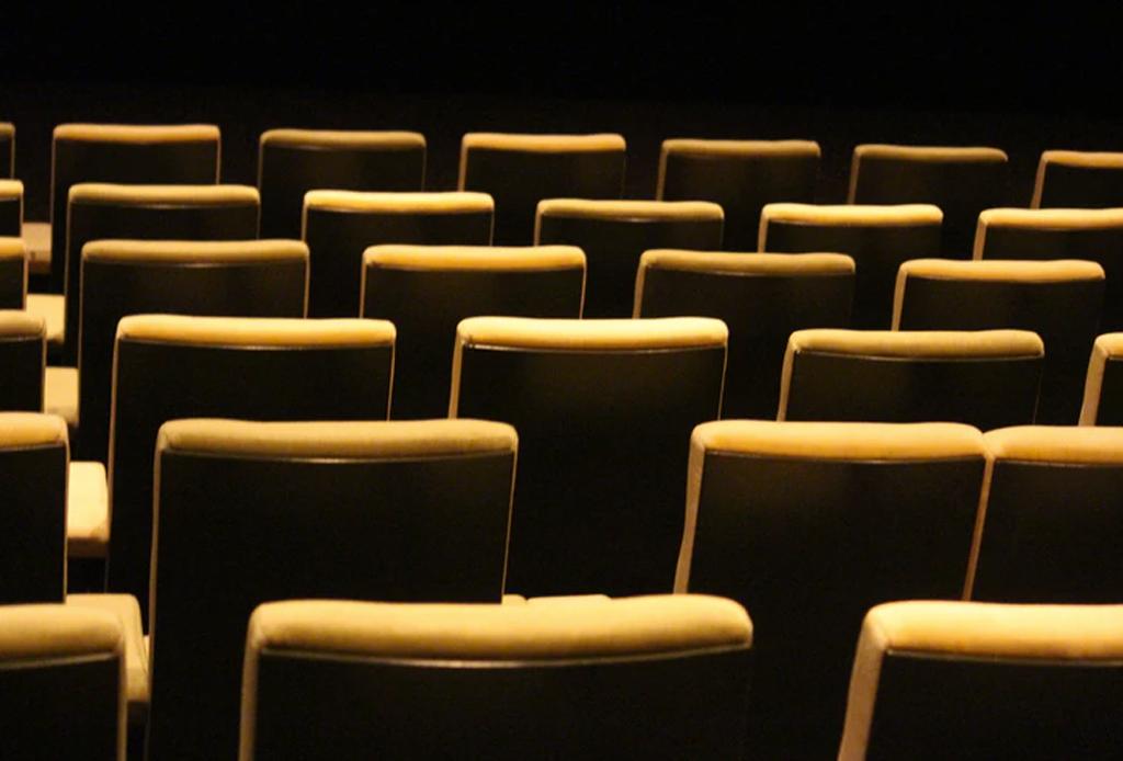 Happenings: Todo lo que puedes hacer este fin de semana (31 mayo -2 junio) - humedad-teatro-helenico