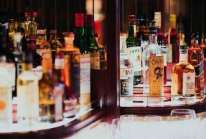 ¿Sabes cuáles son las diferencias entre las maltas de un whisky escocés y un whiskey irlandés?