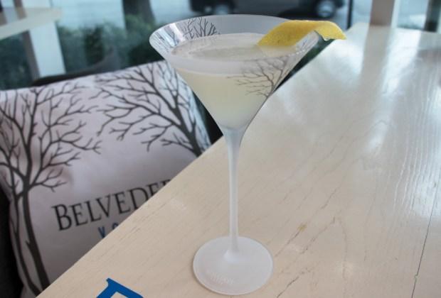 2 sofisticados martinis de tres pasos que puedes hacer con Belvedere - belvedere-classic-martini