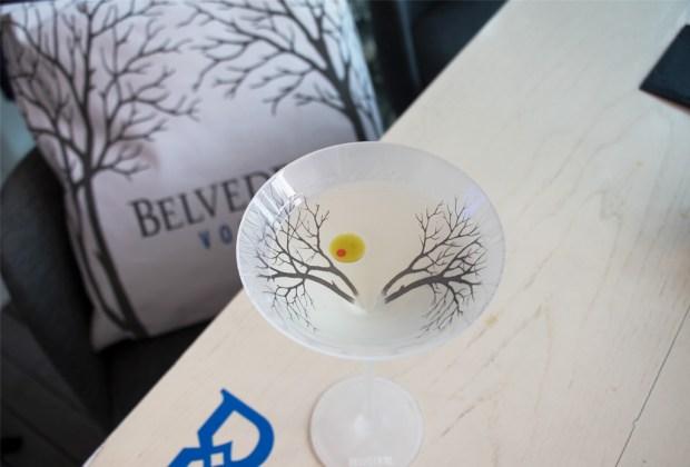 2 sofisticados martinis de tres pasos que puedes hacer con Belvedere - belvedere-dry-martini