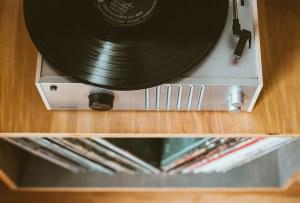 ¿Compartes edad con alguno de estos discos? 8 álbumes famosos que cumplen años en junio