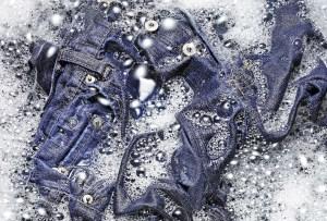Tips para lavar tus jeans y mantenerlos como nuevos por más tiempo
