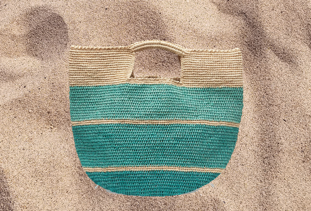 Lleva el estilo a la playa con estas totes - totes-verano-3-1024x694