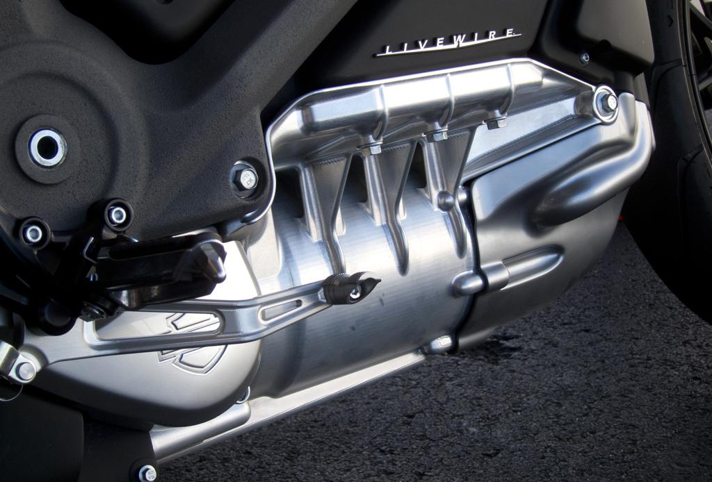 Todo lo que tienes que saber sobre el modelo eléctrico de Harley-Davidson - livewire-6-1024x694